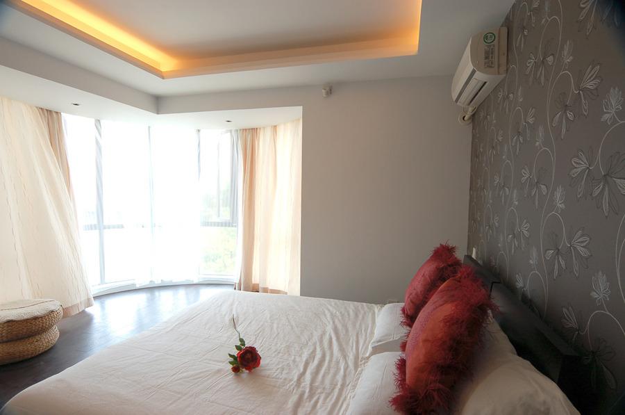 升龙城简约公寓式设计卧室吊顶