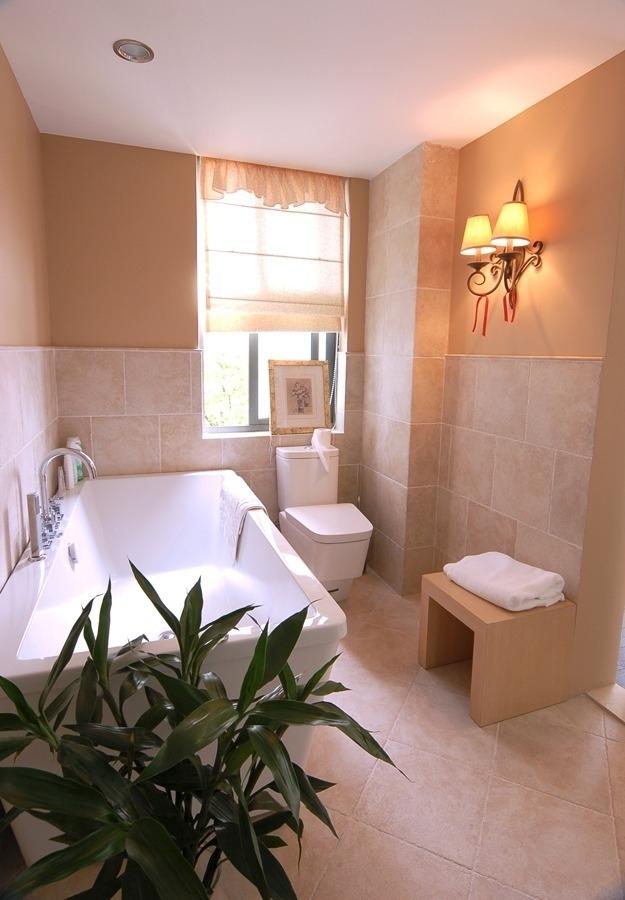 升龙城简约公寓式设计卫生间背景墙