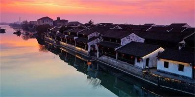 有一群姑娘跑到江南水乡爆改百年老宅,竟造出一片古镇秘境